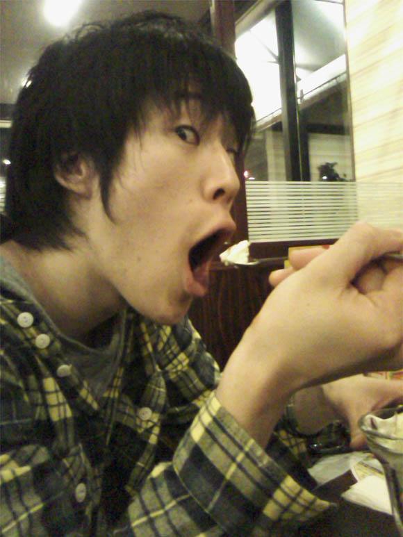 食べるイセ