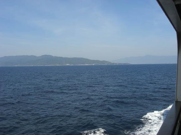島が近づいて来ました