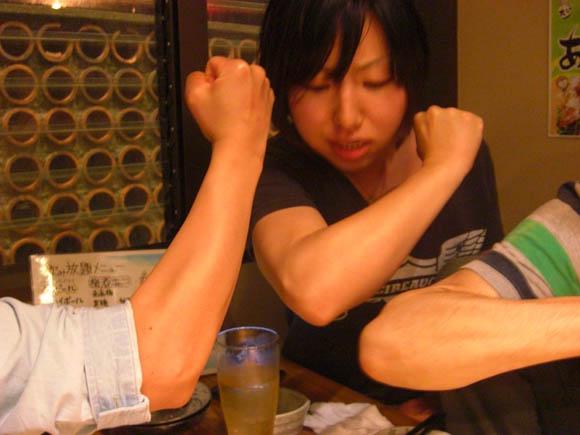 腕の筋肉比べ