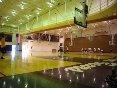 アメリカの大学のジムにあるバスケットボールコート2